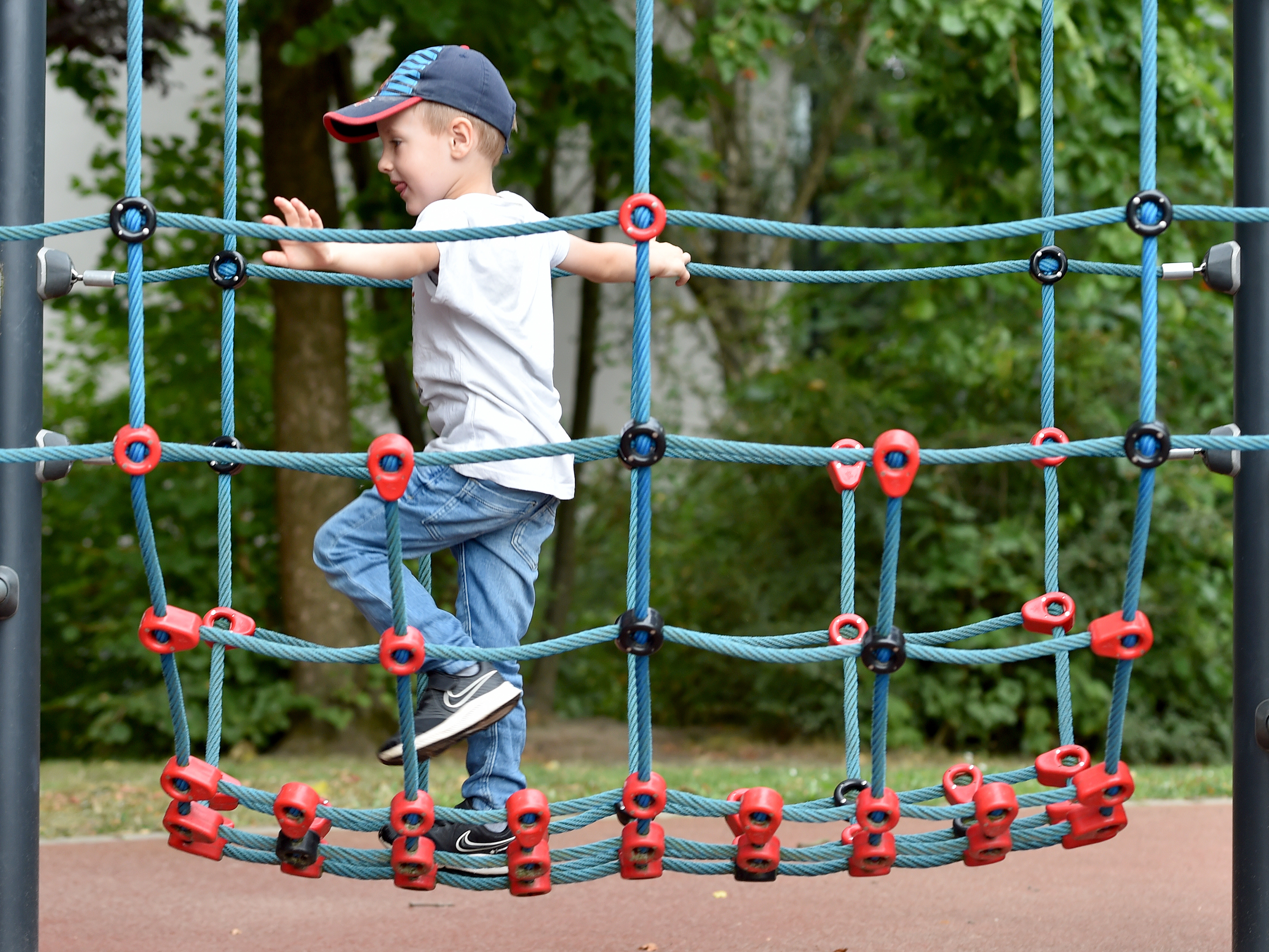 Ab auf die Spielwiese: Es gibt viele kostenfreie Möglichkeiten der Freizeitgestaltung für Kinder.