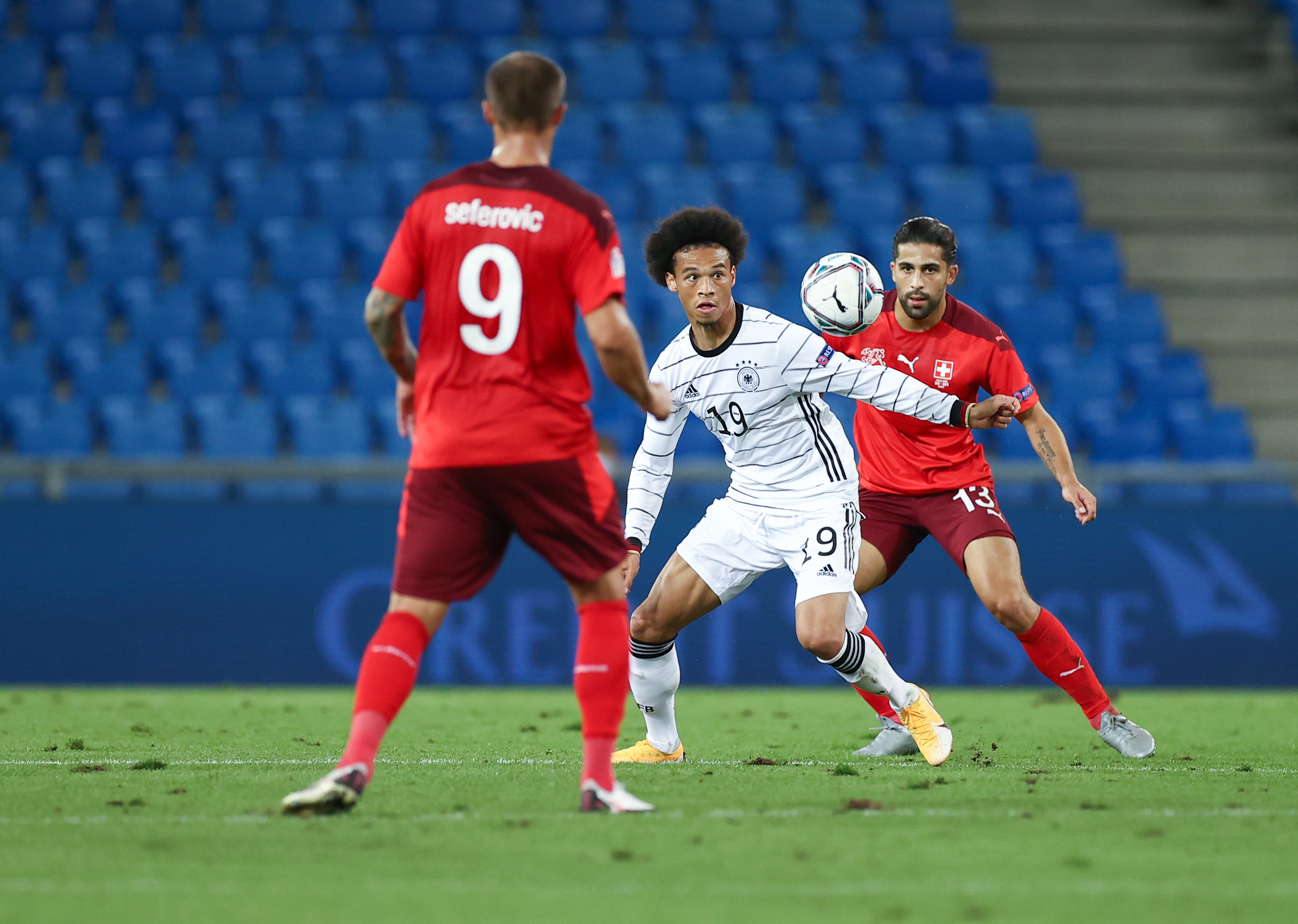 Bayern-Star beim DFB-Team: Leroy Sané (Mi.) gegen die Schweiz.