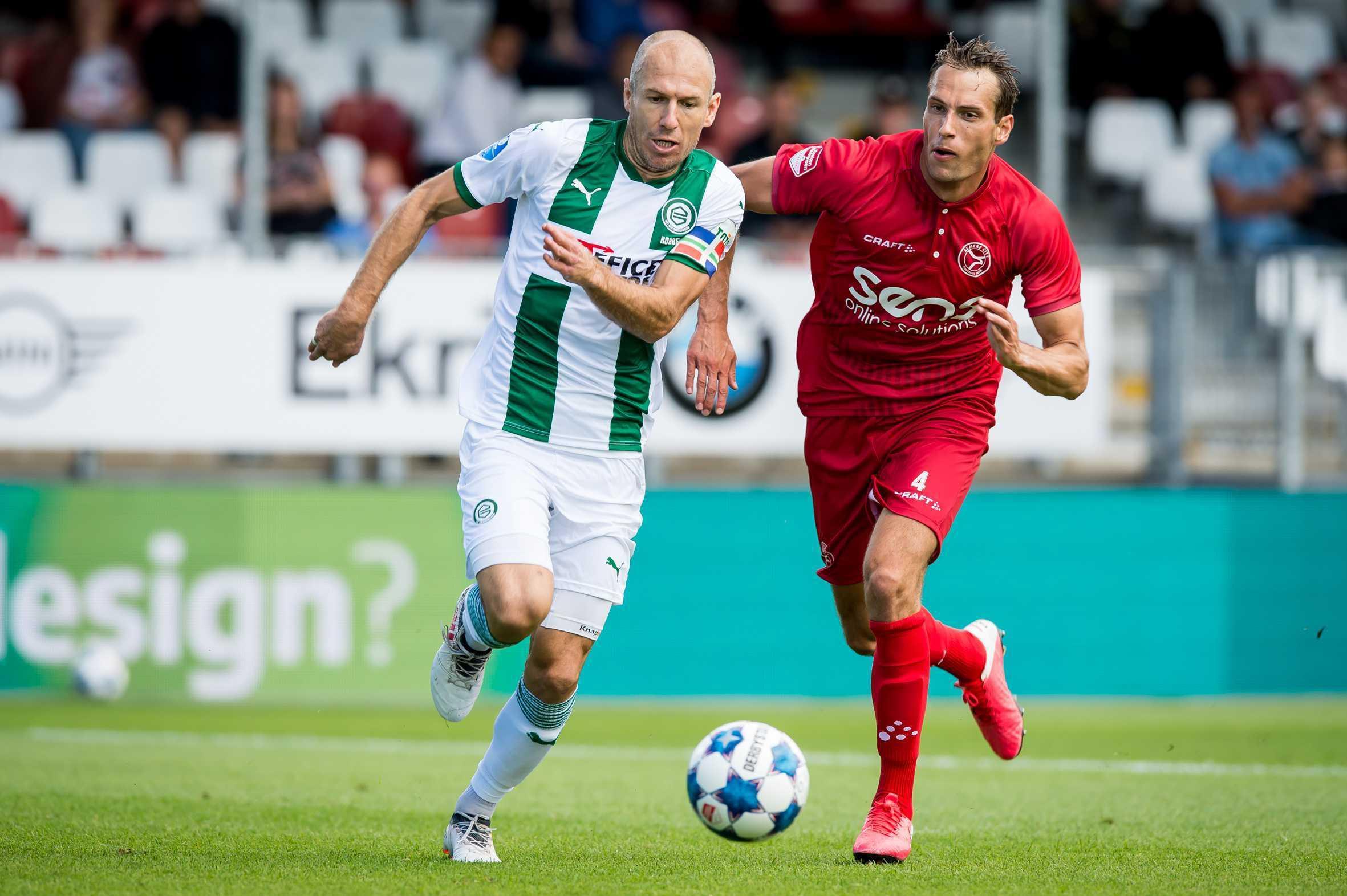 Wieder am Ball: Ex-Bayern-Star Arjen Robben (li.).