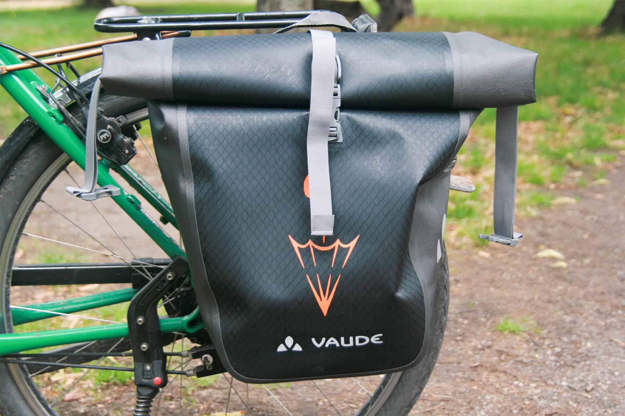 Mit einem Fahrrad kann man erstaunlich viel transportieren. Wichtig ist bei Fahrradtaschen neben einem großen Stauraum vor allem Regenundurchlässigkeit.