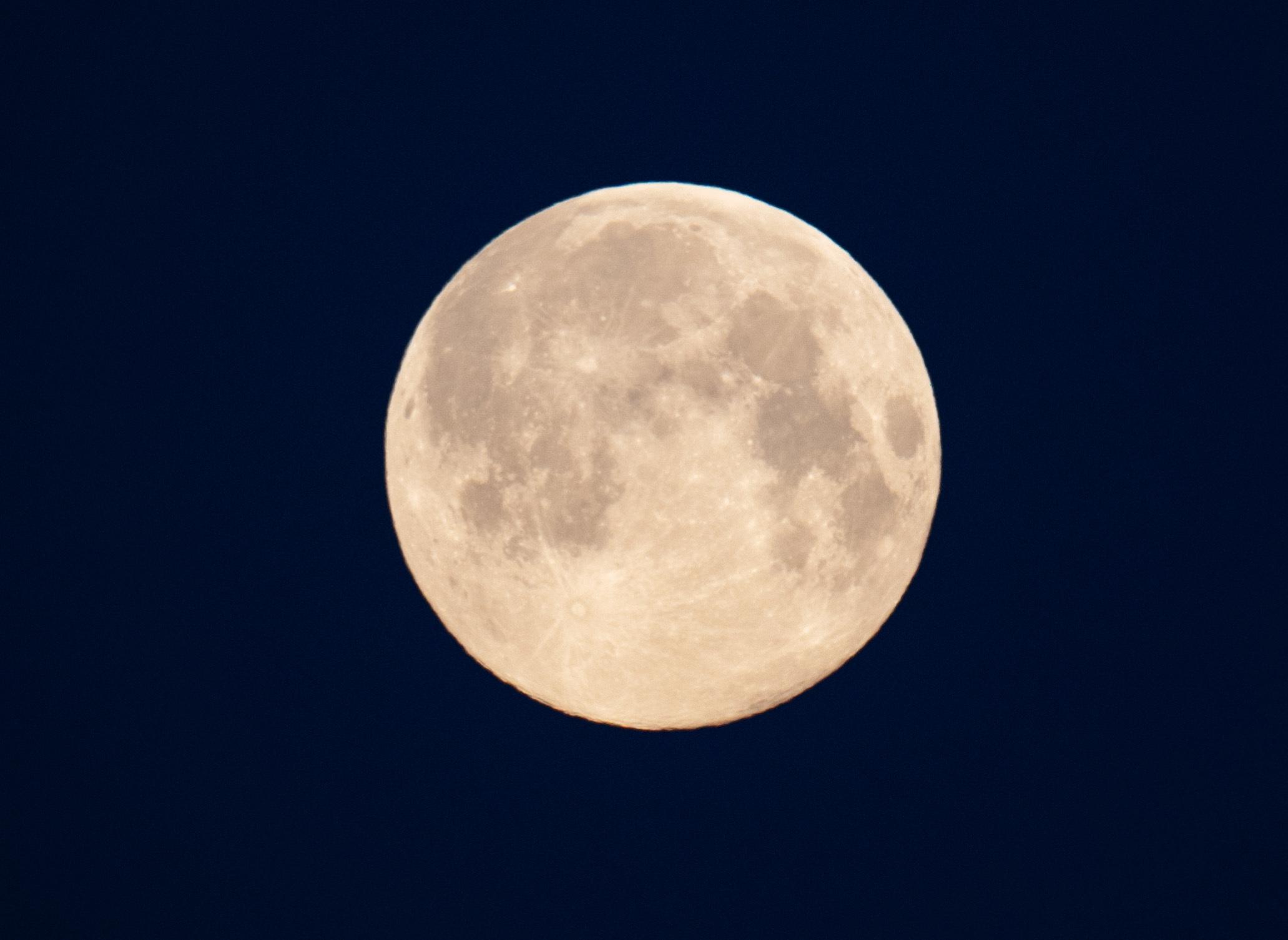 NASA mit bedeutender Mond-Entdeckung - zentrale Bedeutung für Zukunft im Universum