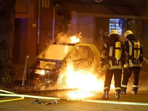 Bremen: Auto in Flammen