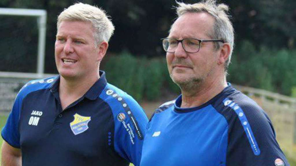 Wetschens Coach Oliver Marcordes (l.) und Co-Trainer Friedel Holle.