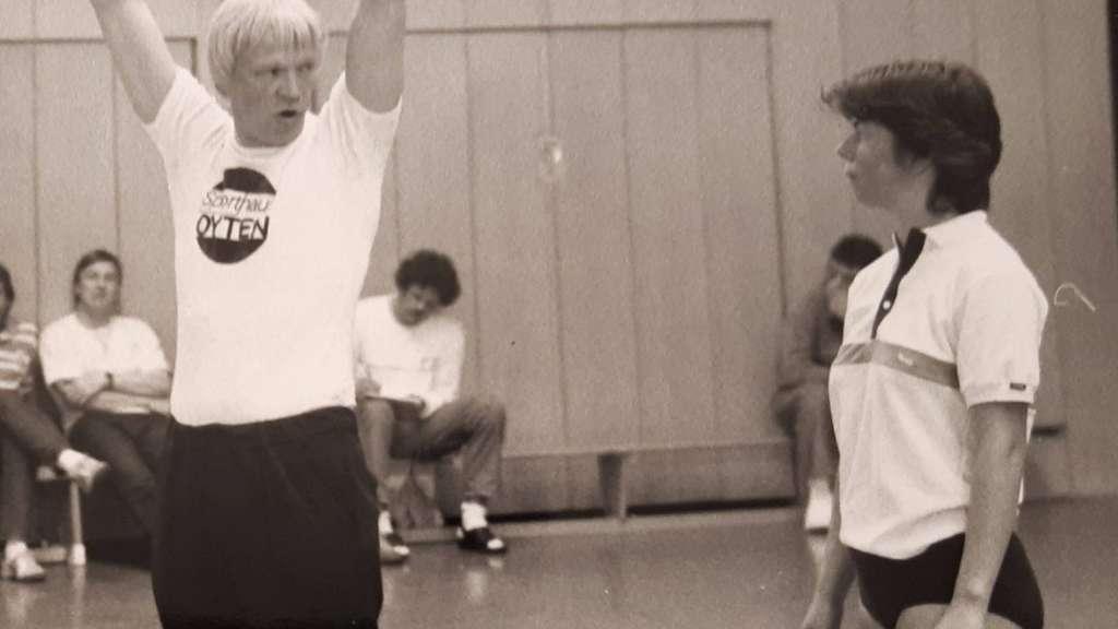 Silke Blau, Ex-Handballerin TV Oyten, mit Auswahltrainer Otto Sternberg Anfang der 90-er Jahre