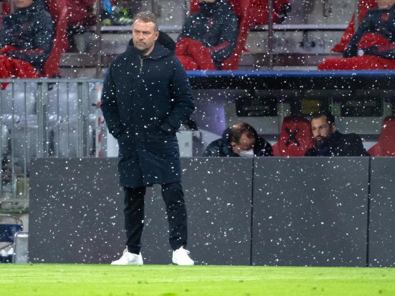 Sorgte mit seinen Aussagen nach der Pleite gegen PSG für Diskussion: Bayern-Coach Hansi Flick.