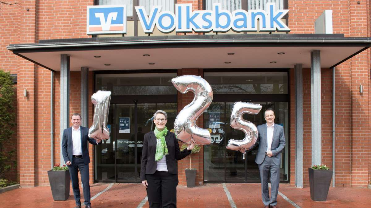 Party-erst-im-Herbst-Volksbank-in-Stuhr-wird-125-Jahre-alt