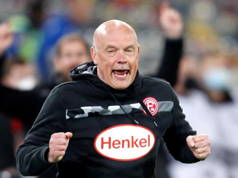 Trainer Uwe Rösler feierte mit Fortuna Düsseldorf einen emotionalen Heimsieg.