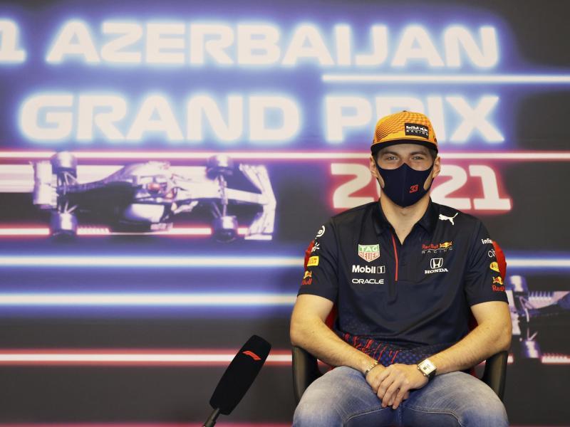 Geht als WM-Spitzenreiter in Baku ins Rennen: Max Verstappen.