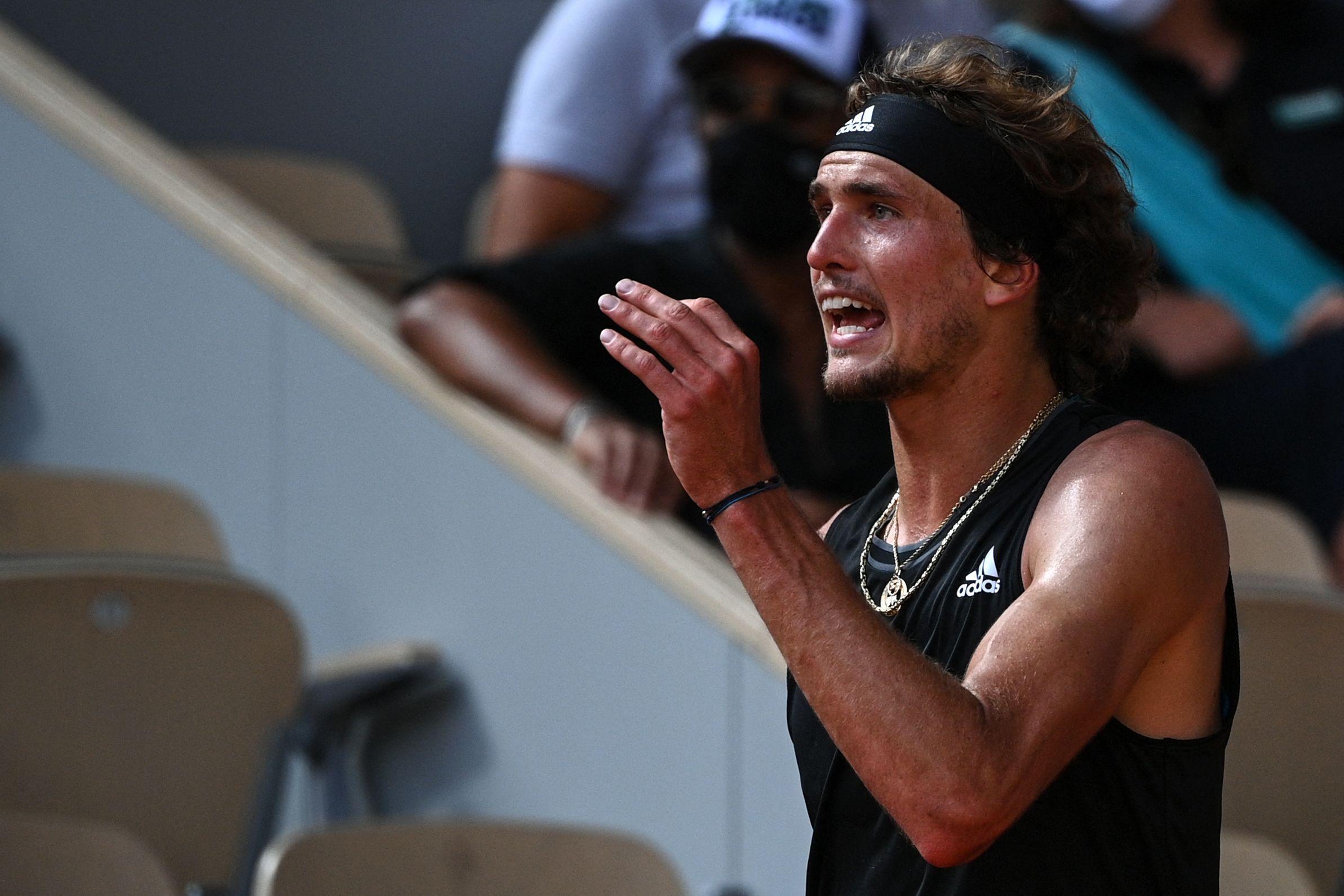 Er hat sein letztes Hemd gegeben - doch es hat nicht gereicht: Alexander Zverev scheidet im Halbfinale der French Open aus.