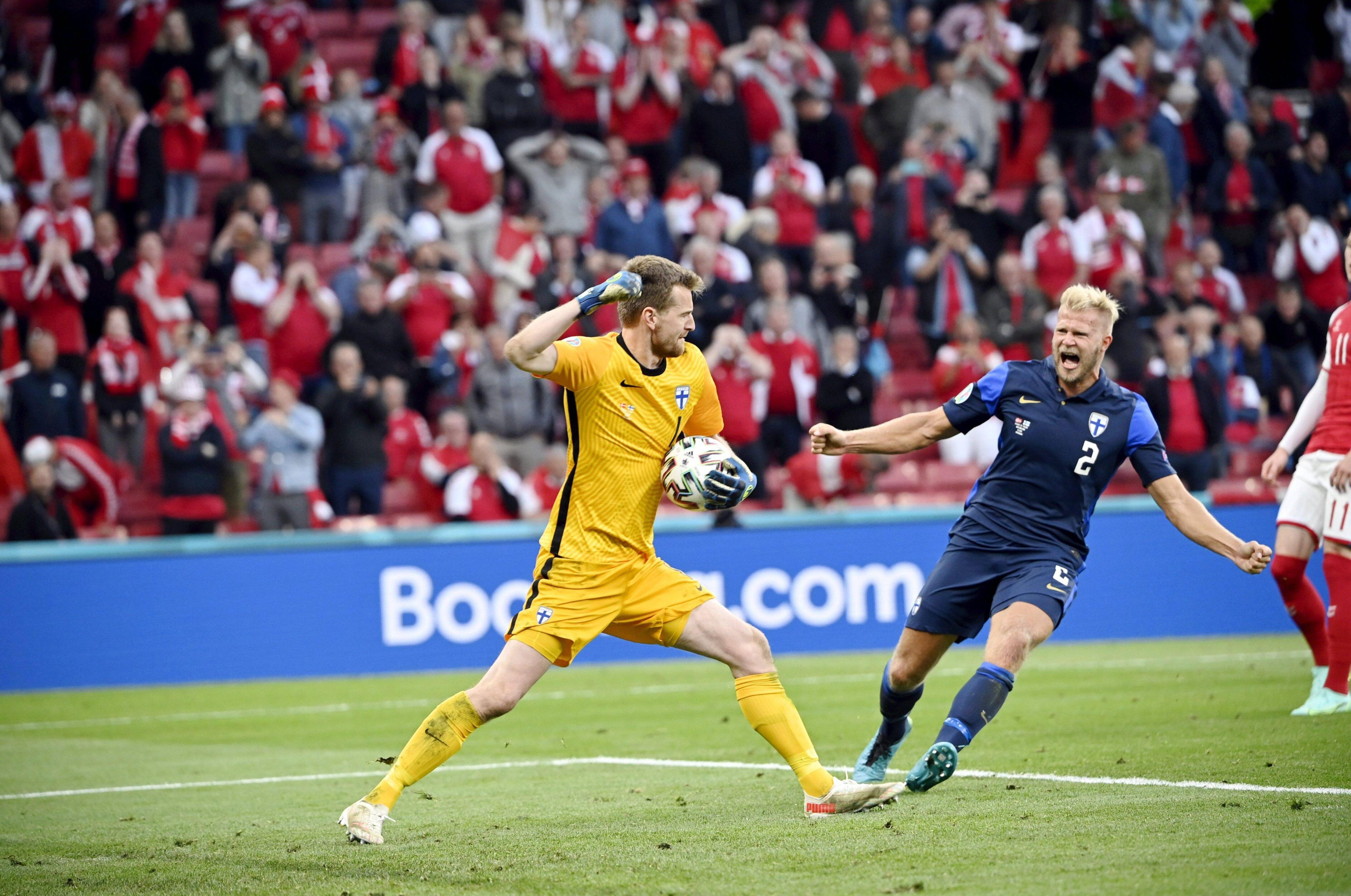Jubeln nach dem Schock: Finnland gewinnt bei der EM 2021 gegen Dänemark.