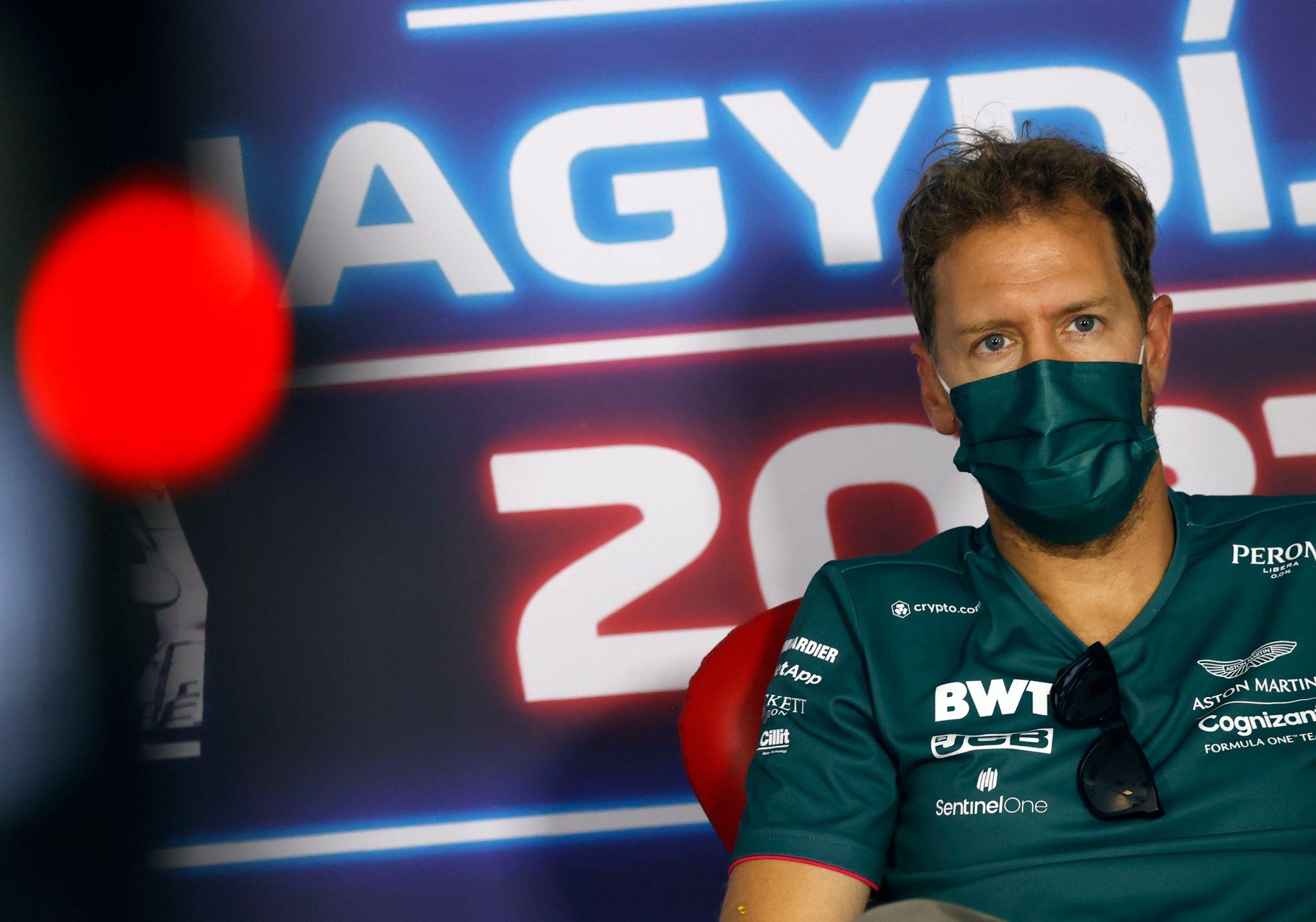 Sebastian Vettel machte einem Paar am Rande des Ungarn-Grand-Prix eine große Freude.